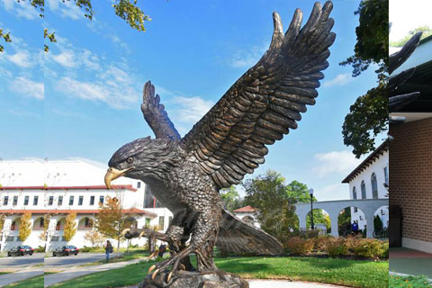 Full size Casting Bronze animal statues of flying eagle for sale