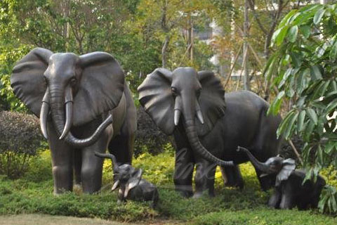 Full size baby elephant statue and large elephant animal sculpture for garden decor