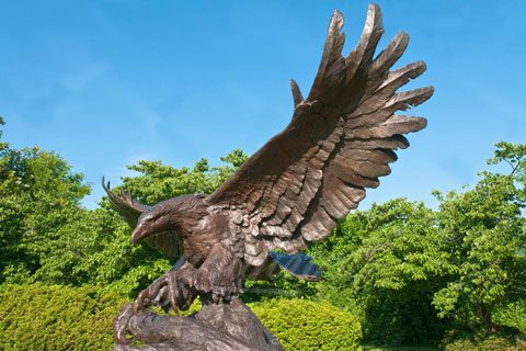 Outdoor antique bronze garden eagle sculptures for sale