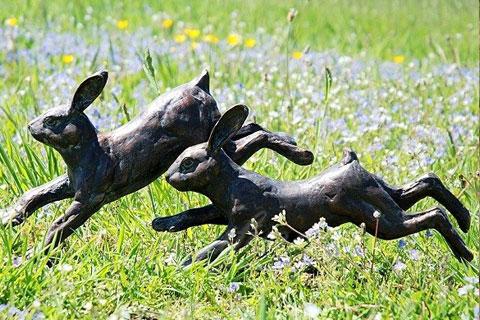 Purchase Full size bronze metal running rabbit sculpture for garden
